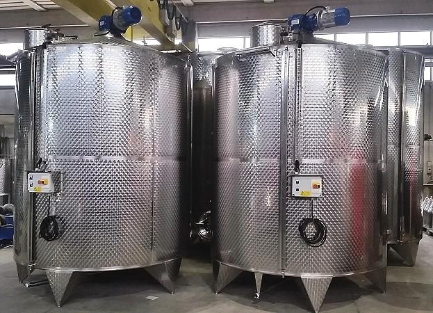 Cuves inox 1000 à 5000 litres avec mélangeur