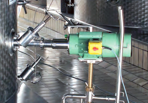 mélangeur électrique oblique et amovible sur structure roulante